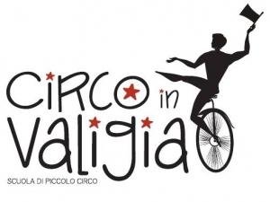 Scuola di piccolo circo - CIRCO IN VALIGIA